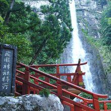那智大滝〜圧倒的な迫力を感じることができるご神体の滝〜