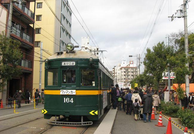 住吉大社の前にある路面電車の停留所です。
