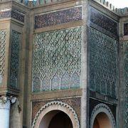 モロッコ王国の世界遺産、古都メクネスの紹介です。