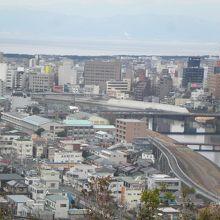 香陵台から見る市街地