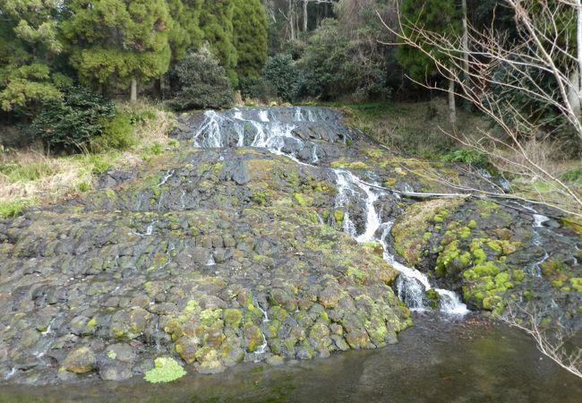 老野湧水の滝