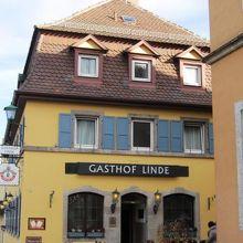 レストランのガストホフツア・リンデの外観です。