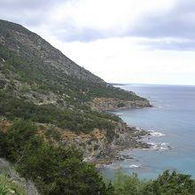 海沿いの広い道からの眺望。