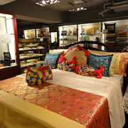 高級な中国土産物店