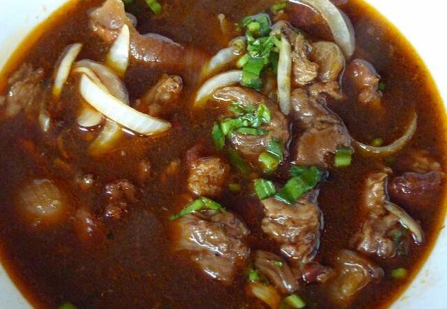コー・コー (ビーフシチューのような牛肉の煮込み料理)