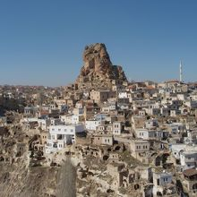 オルタヒサル城塞と街並み