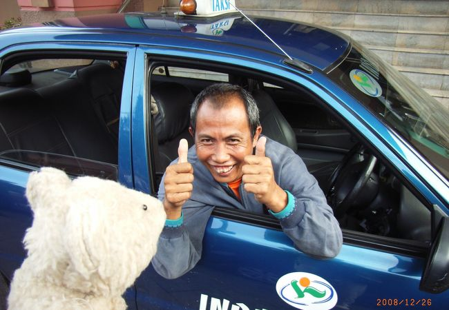 市内観光でお世話になったドライバーのおじさん!