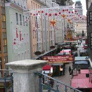 旧市街のクリスマス・マーケット・・・