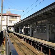 黒部峡谷鉄道の宇奈月温泉駅まで徒歩3分ほど
