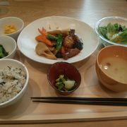 【三井アウトレット木更津】ごはんと味噌汁のお代わり自由。お値段もお手ごろです。