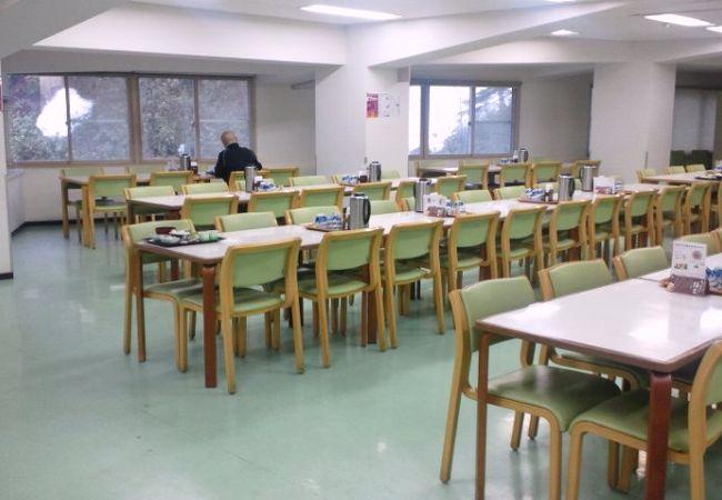 食堂が広いです