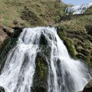 津軽ドライブコースに突如現れる清涼な滝「七つ滝」