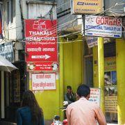 地元の人にも人気のレストラン 「タカリ・バンチャ」