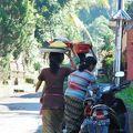 写真:マンバル村