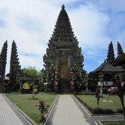 キンタマーニまで寄ったなら、この寺院もお勧め!