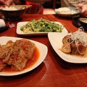 こじんまりした店で沖縄料理を