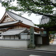 桜の綺麗なお寺
