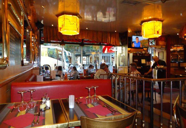 オペラ座、マドレーヌ界隈に日曜日に着いた時に便利な夕御飯も食べられるカフェ。