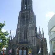 世界最大の塔です。