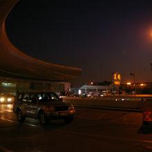 昆明巫家壩国際空港 (KMG)