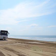 なんといっても水平線と車で走れるビーチ(*^^)v
