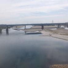 JRの車窓から見る木曽川の風景