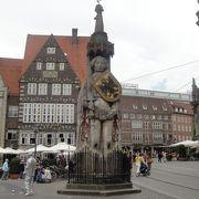 音楽隊で有名なブレーメンの旧市街はコンパクトでした。