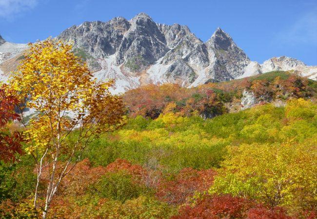 北穂高岳から奥穂高岳の途中の涸沢岳