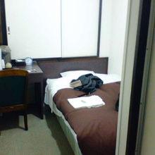 安心して泊まれるきれいな部屋です。
