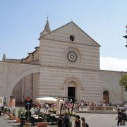 聖キアーラの墓が安置された聖堂