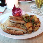 ドイツ料理と100種類のビールが楽しめるレストラン