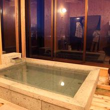 風呂は眺望を考えて設計されている