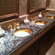 トイレまでもシルクロード(黄金の国ジパング)をイメージか