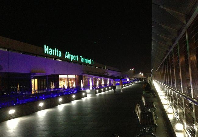 夜間の第1ターミナルビル(展望台から)