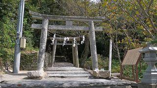豆酘崎のみでなく豆酘の多久頭魂神社もよるとよい