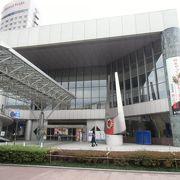 金沢駅前のクラシック演奏ホール