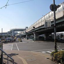 国道246号と東名「横浜青葉インターン」入口