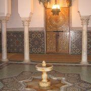 イスラム装飾が見事な霊廟