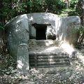 写真:石の宝殿(石宝殿古墳)
