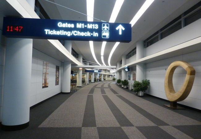 セキュリティー通過後のターミナル