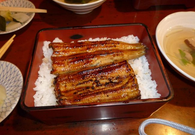 浅草の老舗鰻屋さん。シンプルに美味しい!
