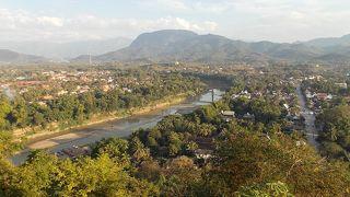 プーシーから眺めた川の光景が素晴らしいです。