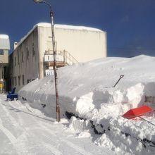 珍しいホームの除雪風景、思わず撮影しちゃいました