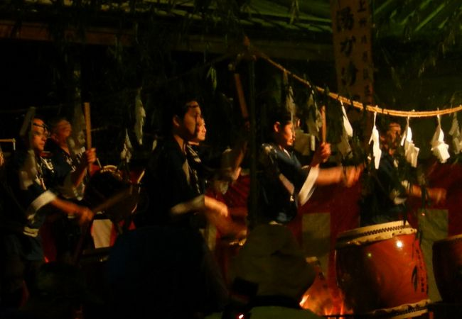 川原湯温泉湯かけ祭