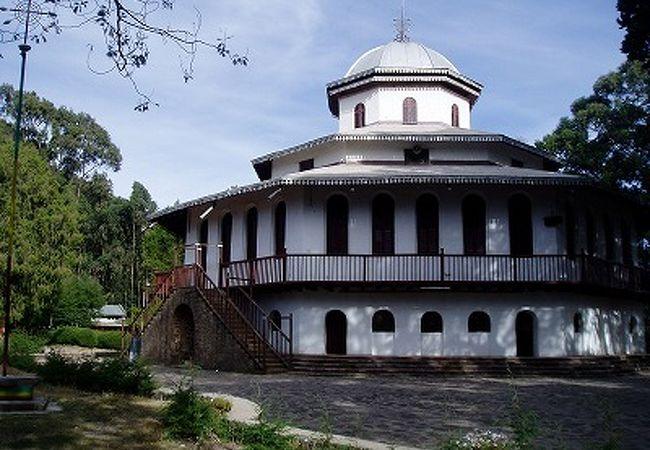 キドゥス ラグエル教会