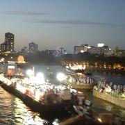大阪の夏は天神祭 日本三大祭の一で、大阪三大夏祭です。