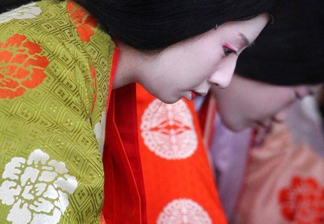 新春恒例の八坂神社「かるた始め式」