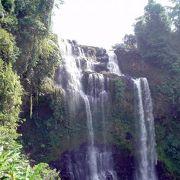 チャンパーサック、サラワン地方のボーラベン高原で滝とコーヒー園と少数民族を訪ねて、一日ツアー