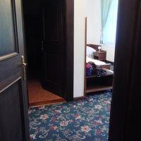 部屋に入ります。ドアが2枚ありました。