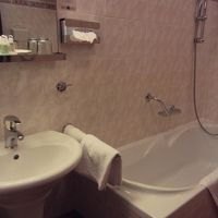 お風呂。ハンドシャワーあり。